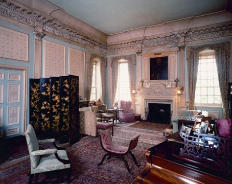 hr_kelburn_drawing-room3.jpg