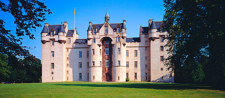 Fyvie-Castle-tmb.jpg