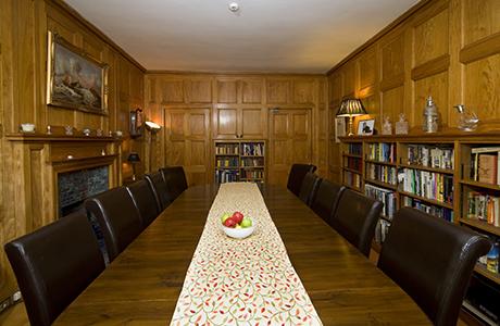 lochmelfort_Library