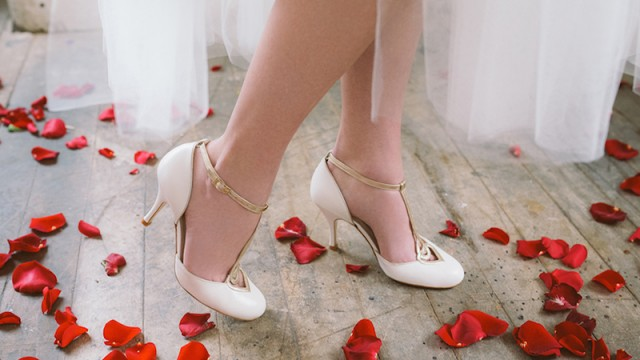 HOW TO: stay comfortable in high heels on your wedding day