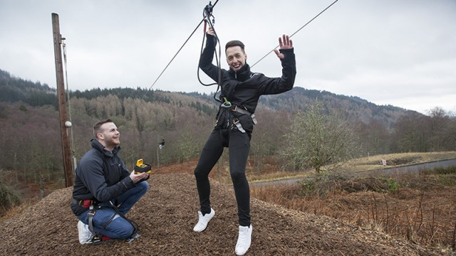 Love is in the air! Scottish couple get engaged at Go Ape
