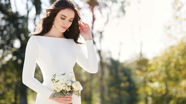 HOW TO: score your dream dress at a discounted price at bridal trunk shows