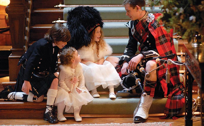 A Reel Time piper will always provide fab photo ops as well as great entertainment (reel-time.co.uk)