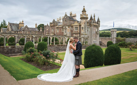 featcouplesfaveUES_281_Lisa_Mike_Abbotsford_House_Parris_Photography.jpg