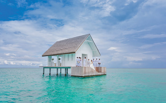 carrier_Four-Seasons-Maldives-Landaa-Giraavaru-231115_FSLG_Wedding_Pavilion_6754.jpg
