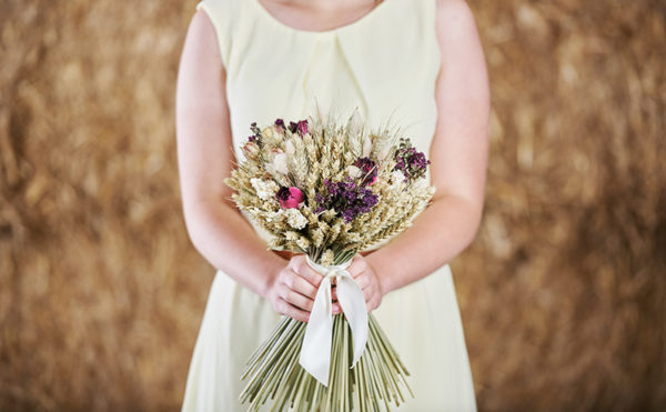 Move over foliage, wheat is making its way into wedding styling
