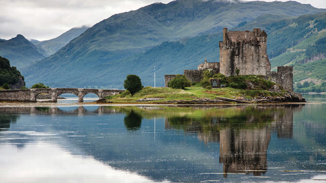 Scenic Scottish tourist attractions you can get married at