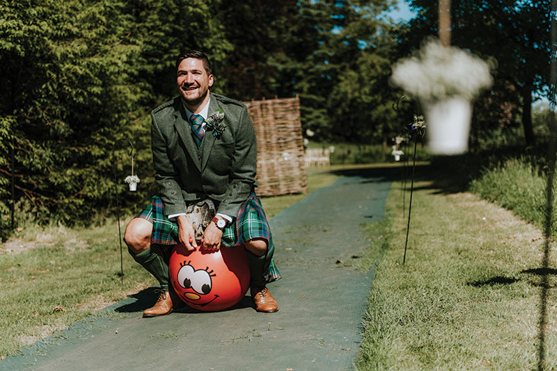 groom on spacehopper