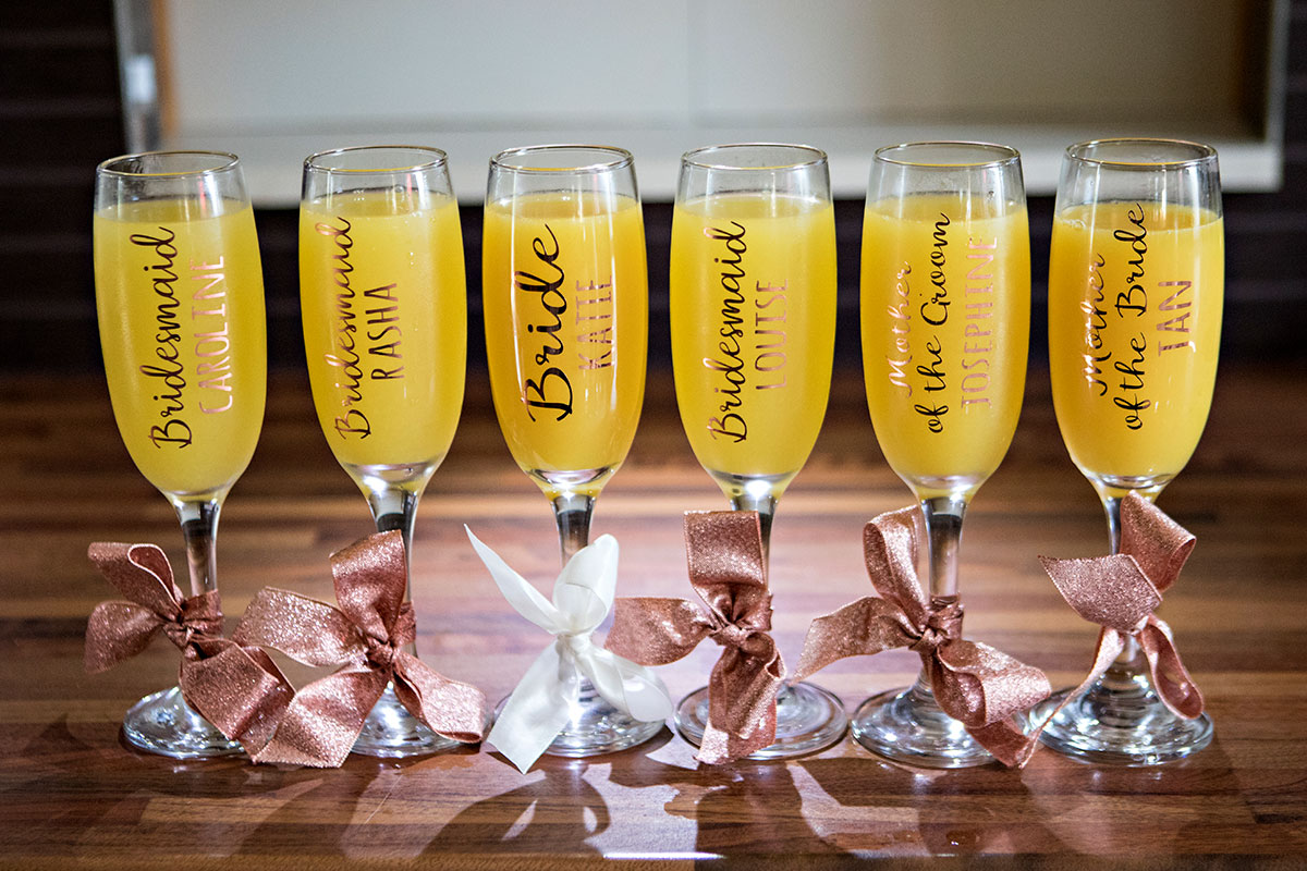 wedding-personalised-champagne-glasses