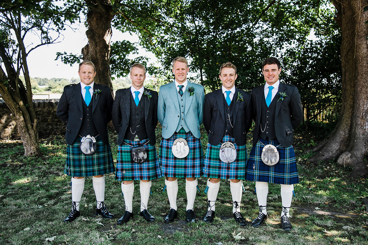 groom-and-groomsmen-wearing-kilts