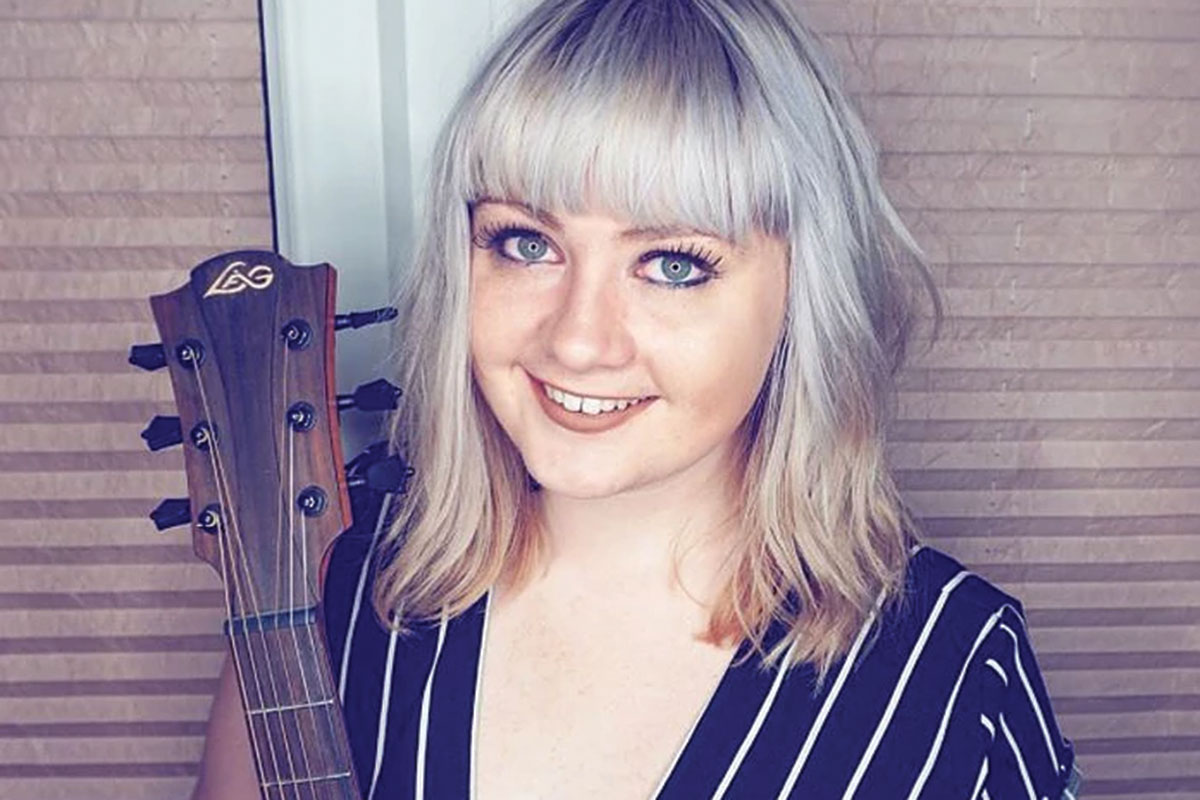 scarlett-entertainments-Scottish-Acoustic-Singer