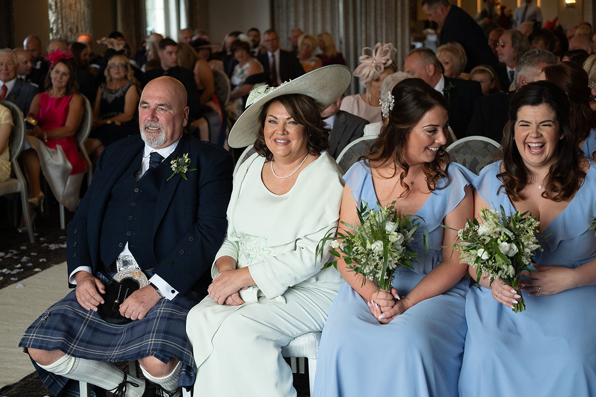 brides-family-during-the-ceremony