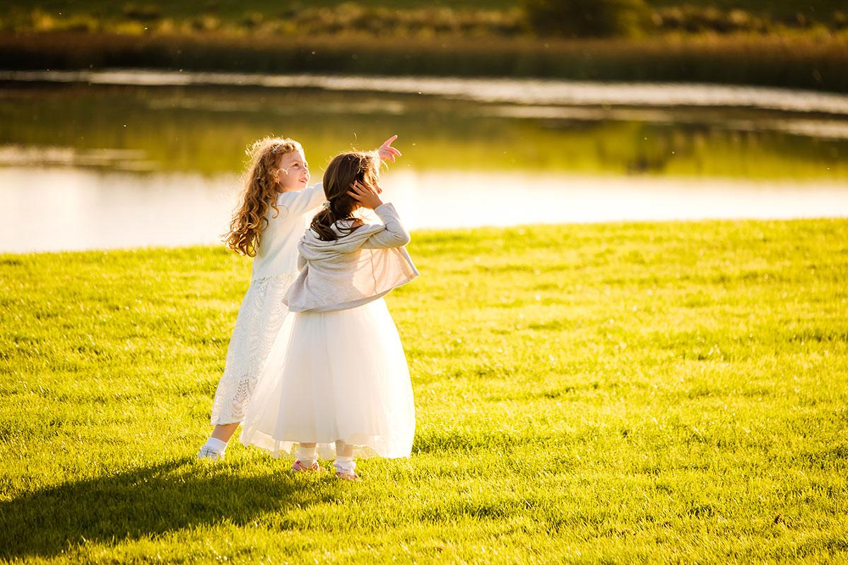 flowersgirls-playing-outside