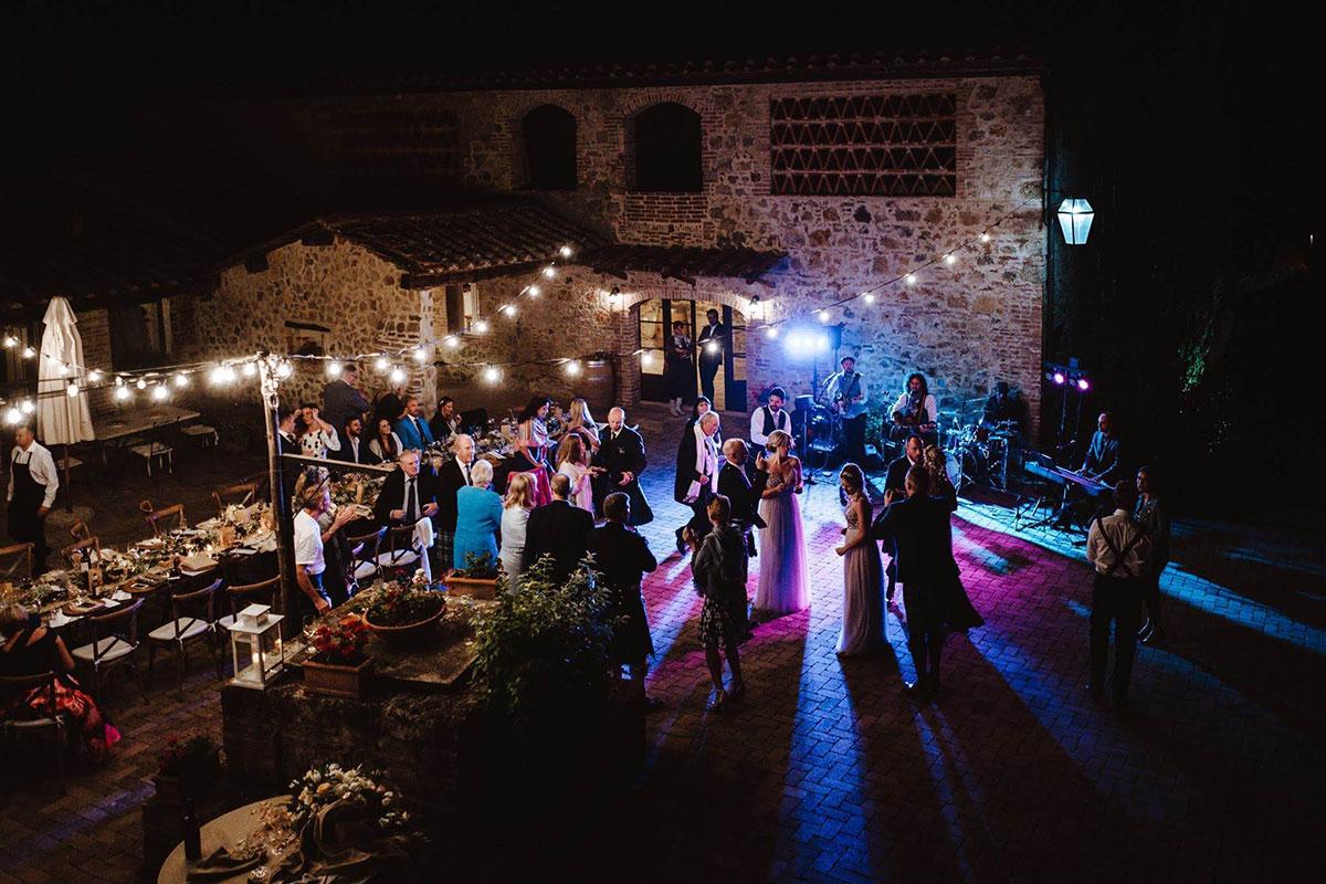 courtyard-at-Tenuta-di-Papena-at-night