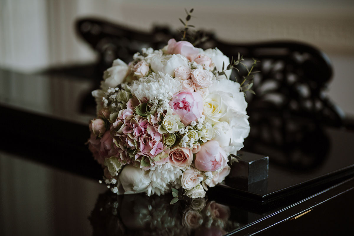 pastel-pink-and-cream-bridal-bouquet