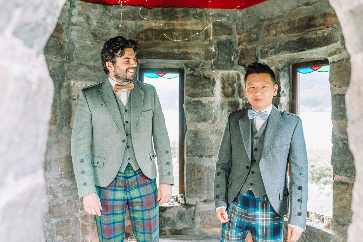 groom-and-groomsman-in-tweed-kilt-outfit