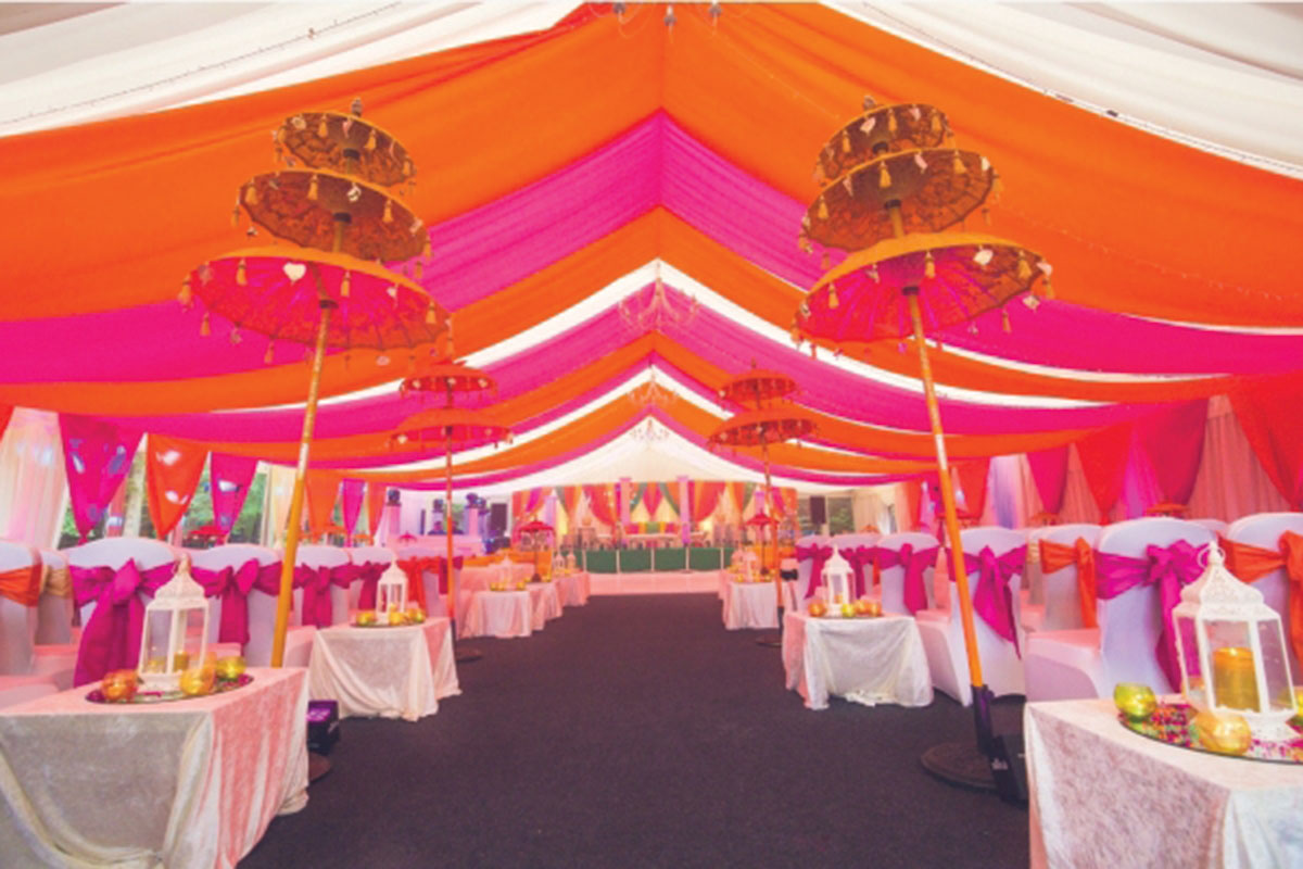 Saffron-Events-neon-marquee-setup