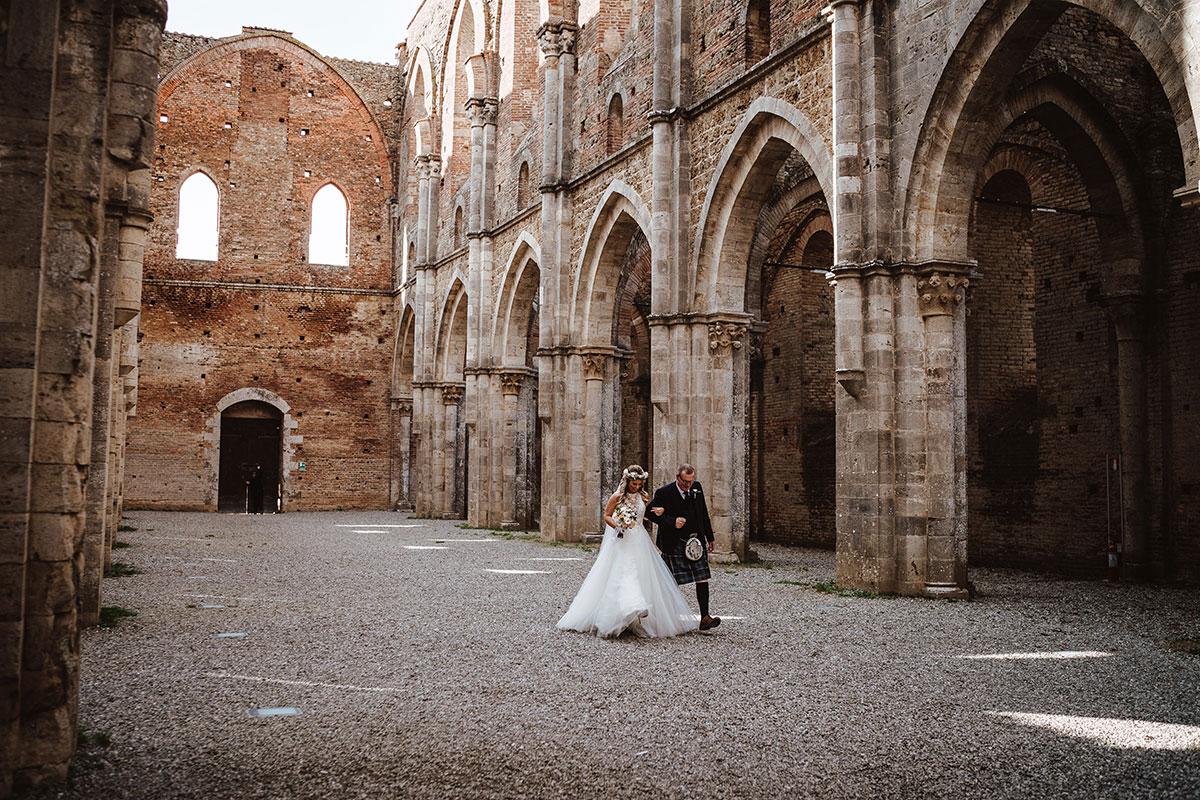 bride-walking-up-the-aisle