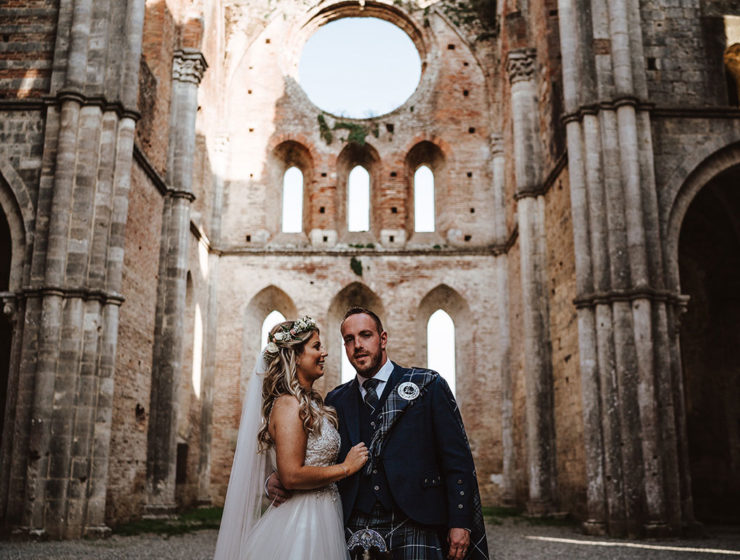 bride-and-groom-in-front-of-Abbey-San-Galgano