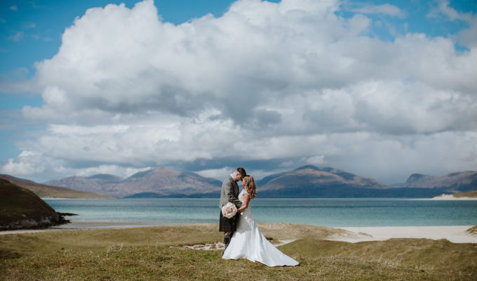 bride-and-groom-on-the-cliffs-on-the-isle-of-harris