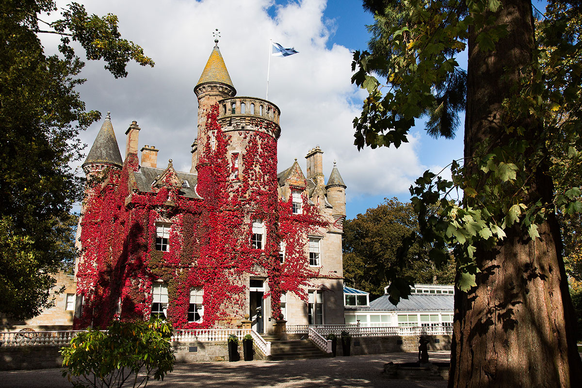 carlowrie-castle-exterior