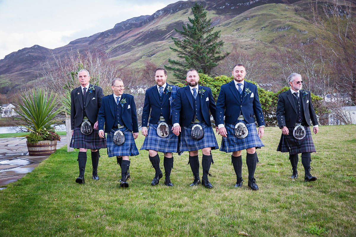 groom-and-groomsmen-in-kilts