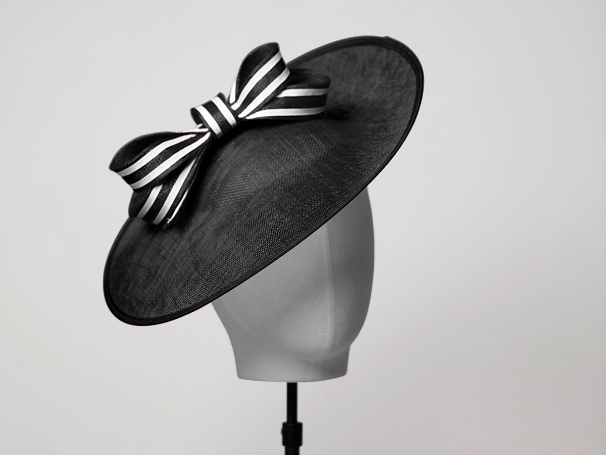 HATBX-Rose-&-Large-Saucer-Black