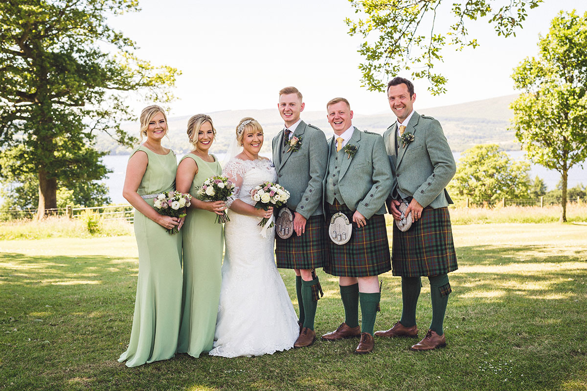 the-bride-and-groom-with-bridesmaids-and-groomsmen