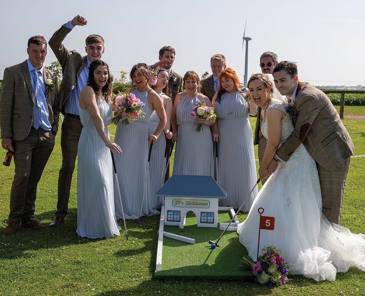 bridal-party-playing-mini-golf
