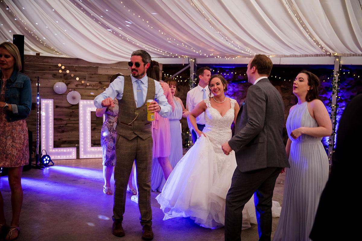guests-dancing-on-the-dance-floor