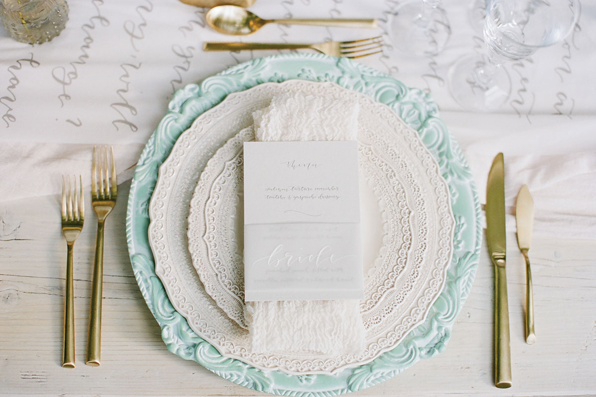 lace-and-calligraphy-place-setting