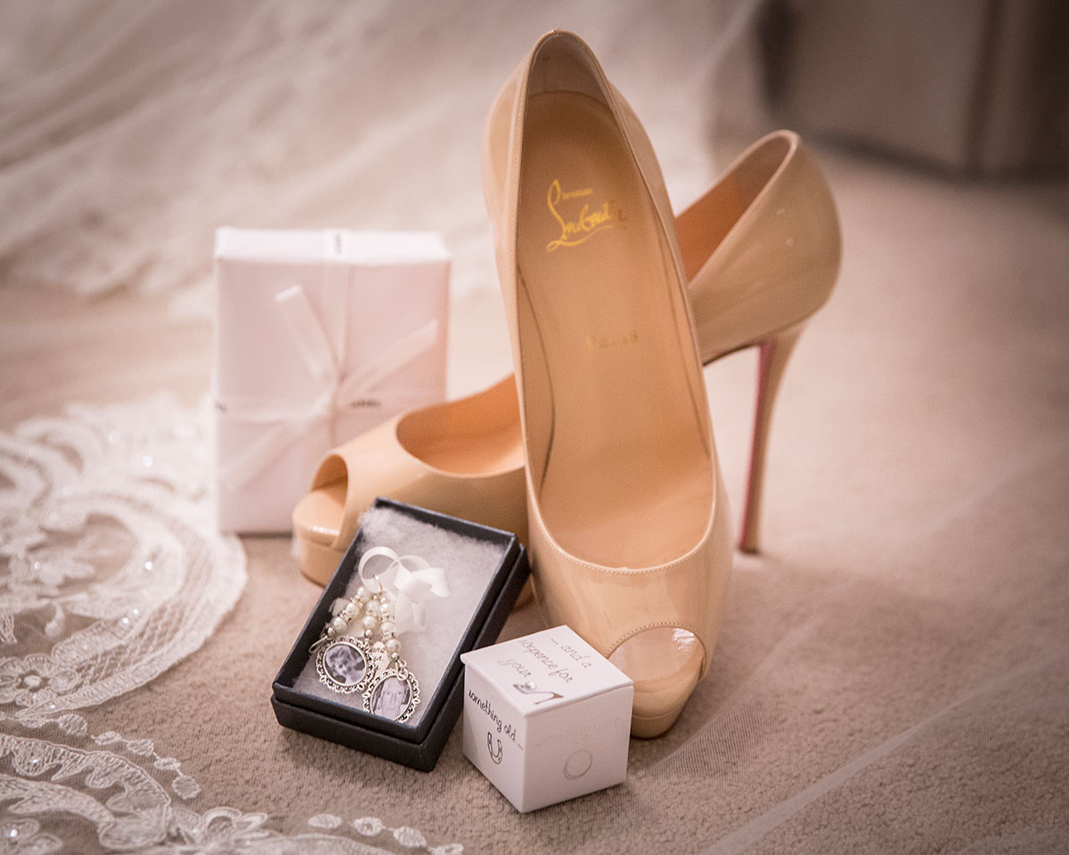 brides-shoes-and-jewellery
