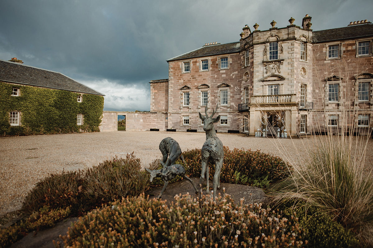 archerfield-house-external-with-stag-statue