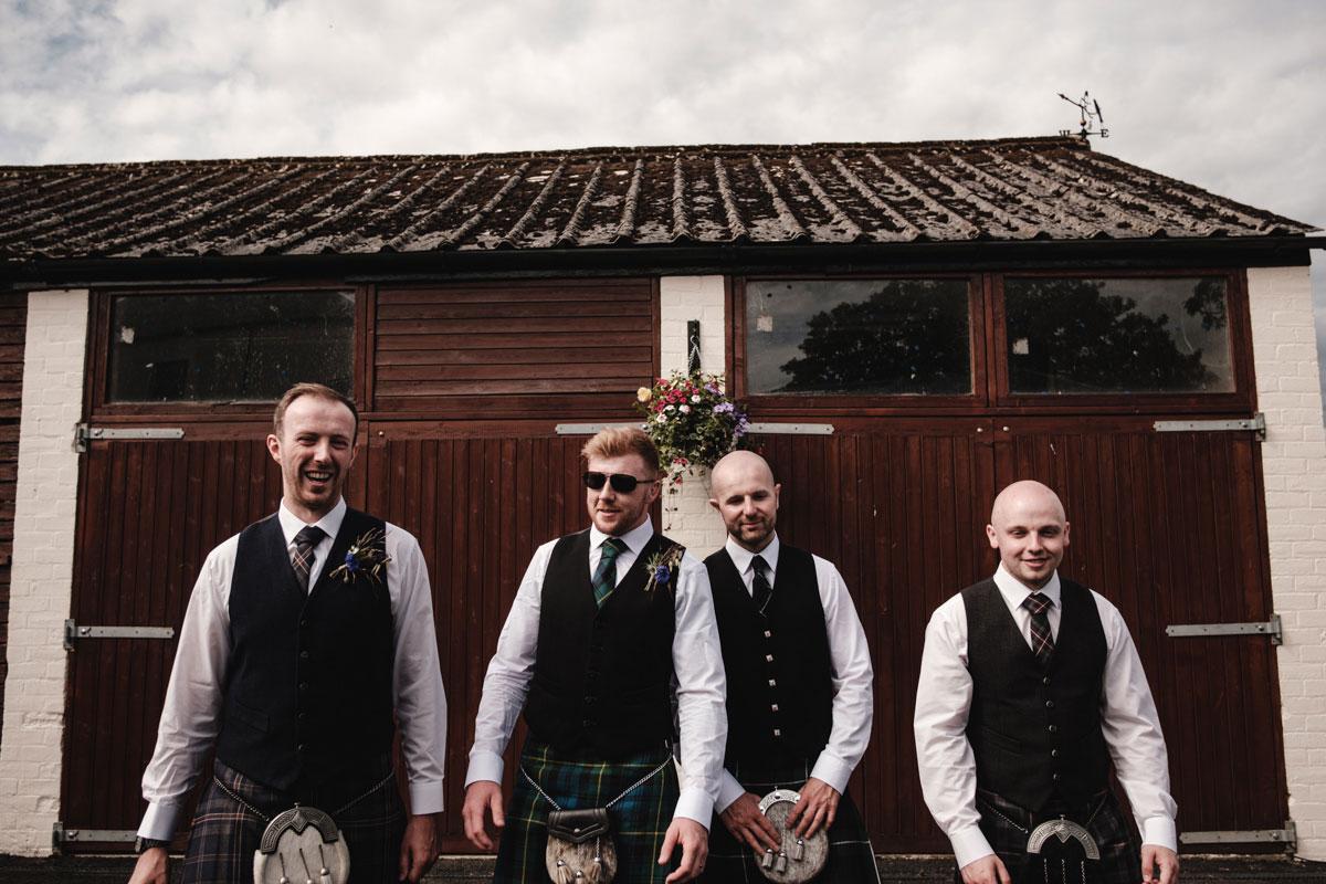 groom-and-groomsmen-wearing-kilts
