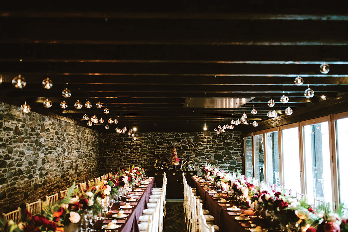 aikwood-barn-dressed-for-a-winter-wedding