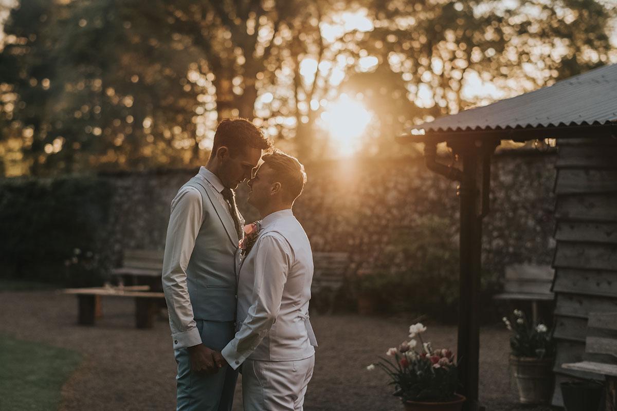 kissing-at-sunset
