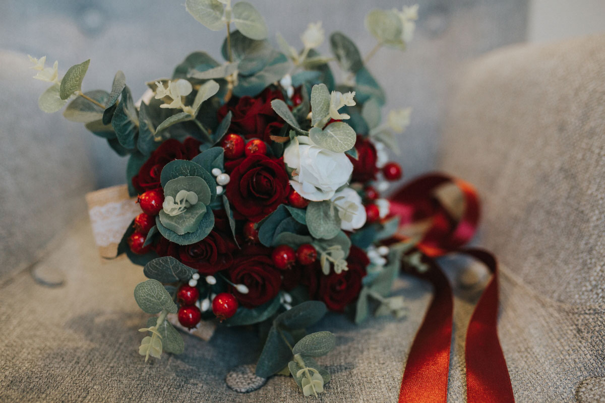 wintery-bridal-bouquet