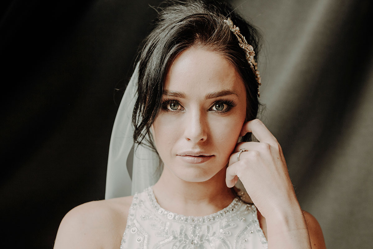 closeup-of-bride-with-blue-eyes