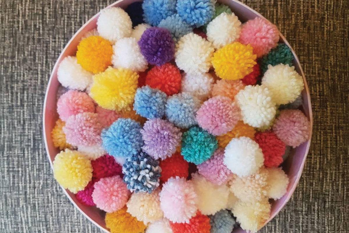 etsy_miss_pompoms_and_petals_pompom_confetti
