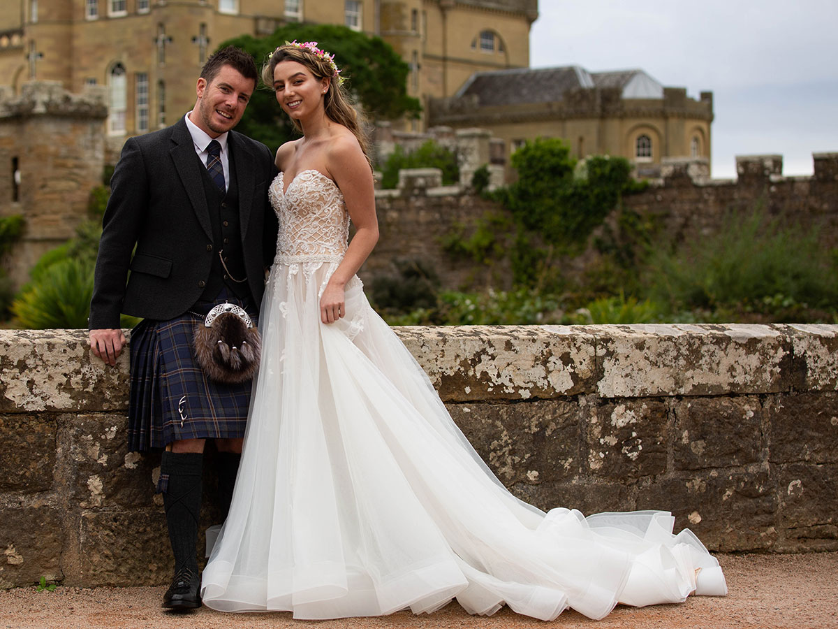 bride-and-groom-outside-culzean-castle