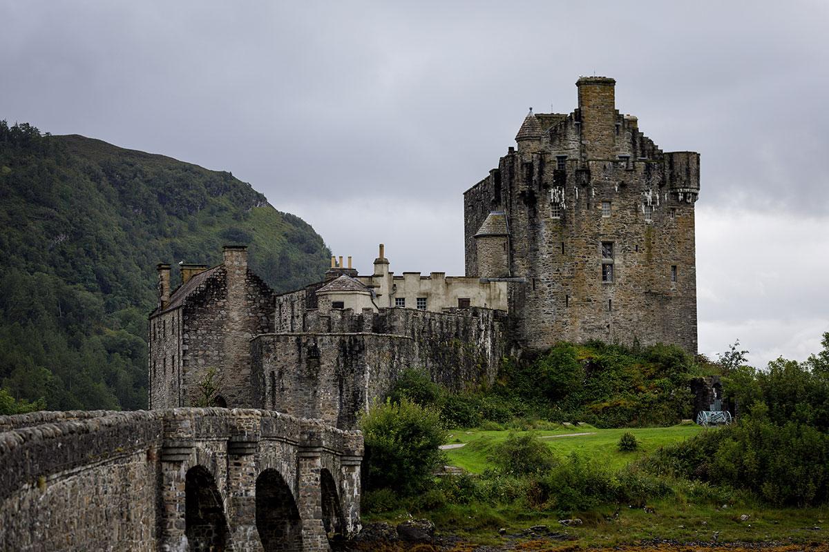 eilean-donan-castle-exterior