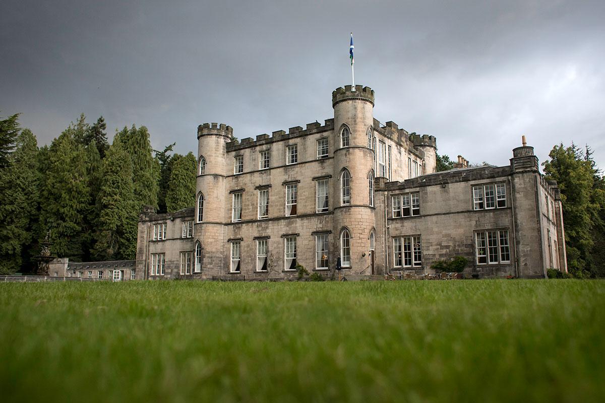 melville-castle-exterior