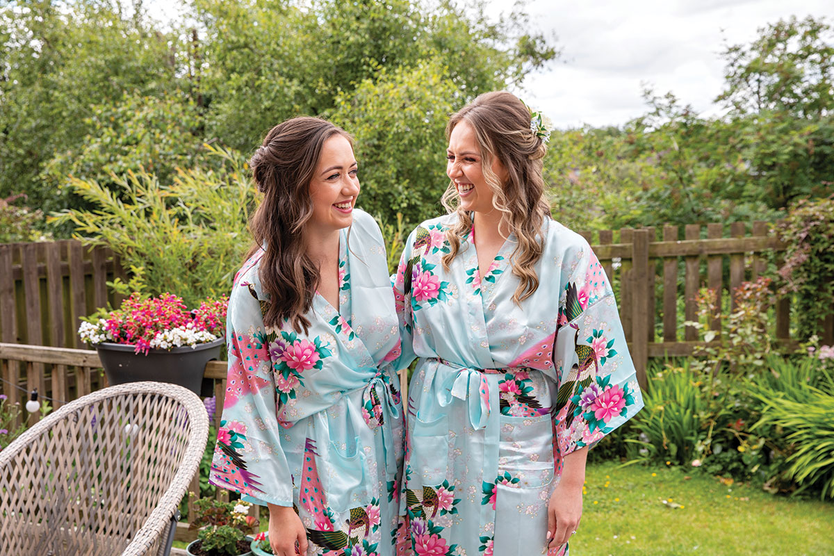 bride-and-bridesmaid-in-matching-robes
