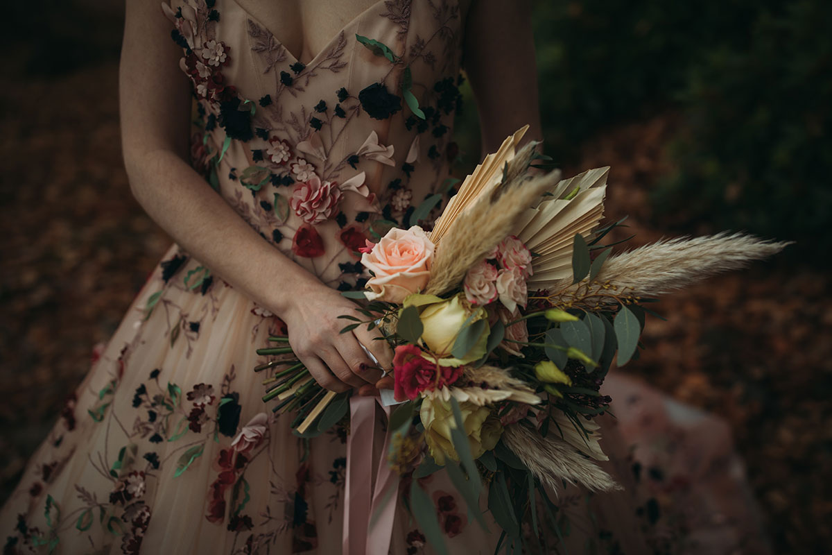 bridal-bouquet-with-pampas-grass