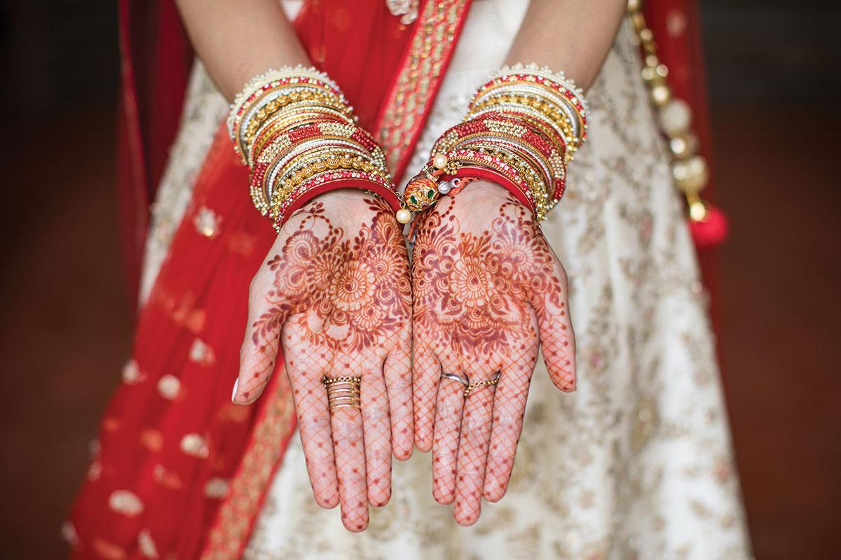 intricate-henna-on-brides-hands