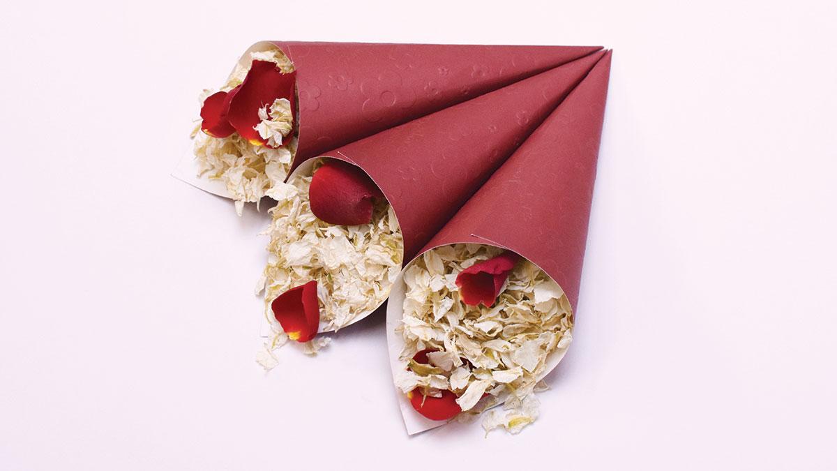 ShropshirePetals.com-Chestnut-Red-Confett-Cones-with-Romeo-and-Juliet-£12.50-pet-litre