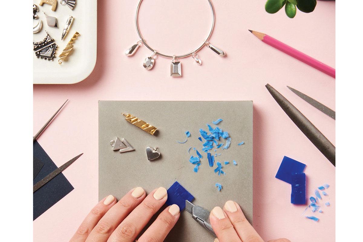 LIBRA__prezola_Jewellry-making