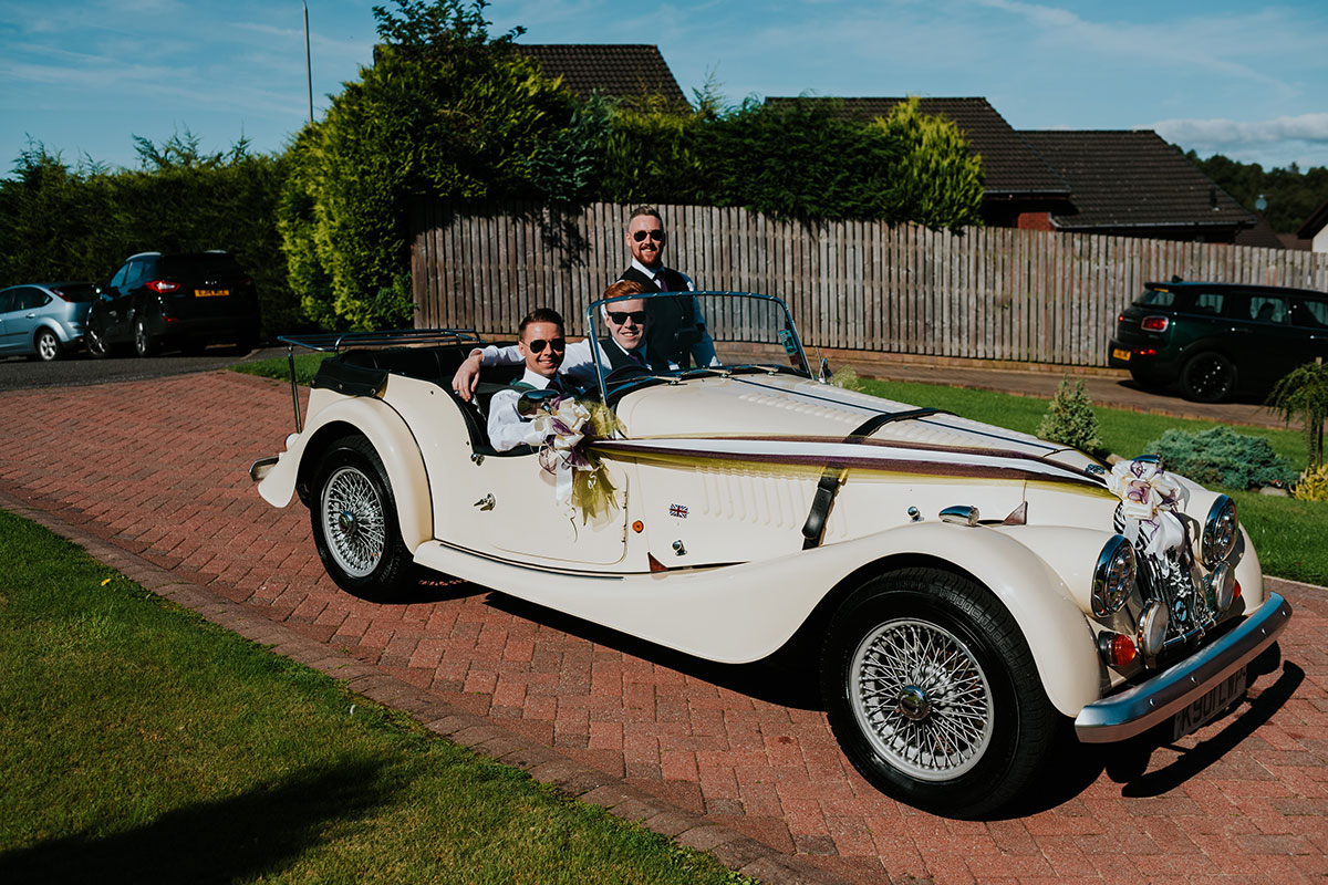 groom-in-vintage-car