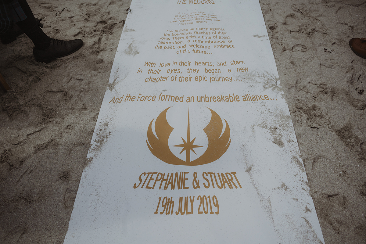 star-wars-aisle-running-on-the-sand