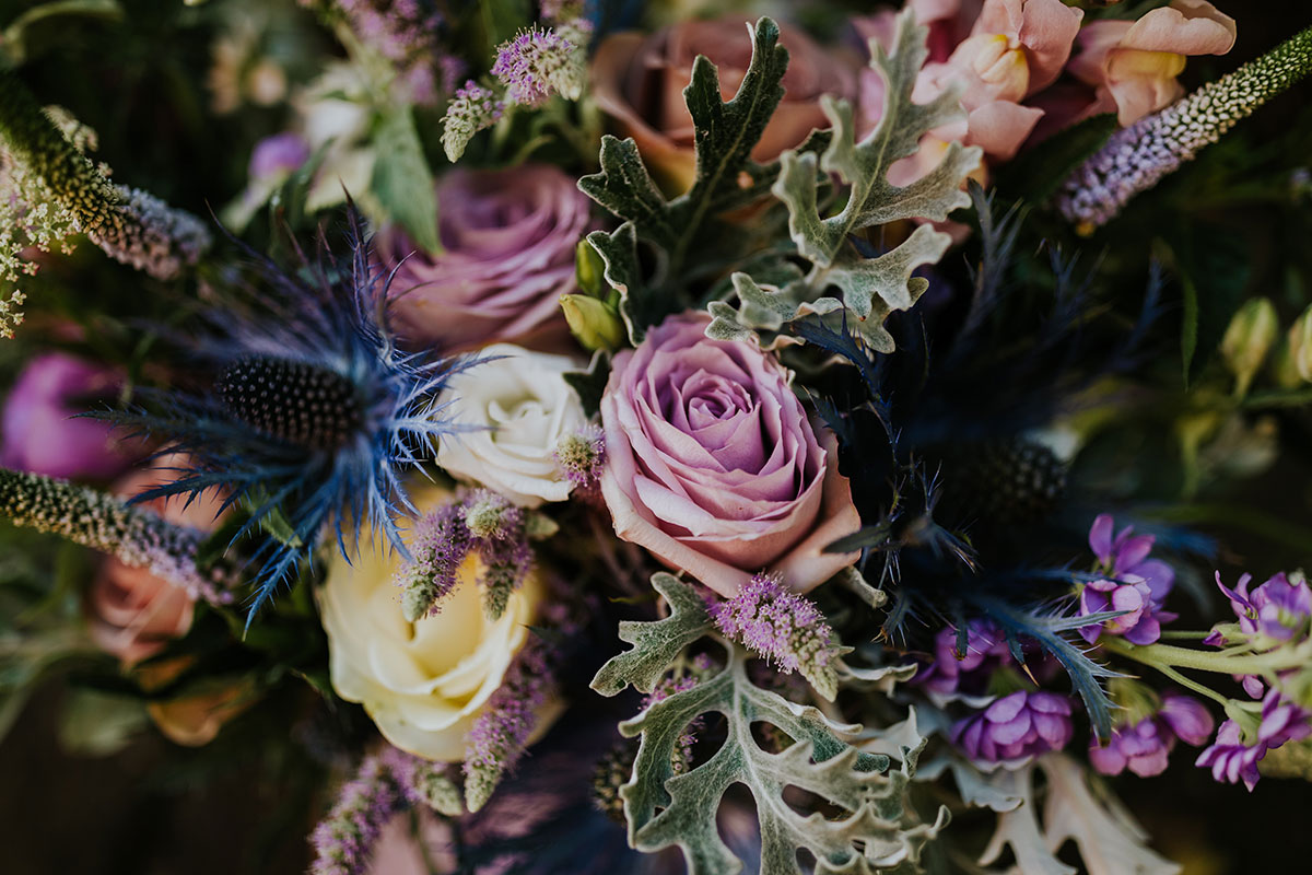 bright-bridal-bouquet-in-purple